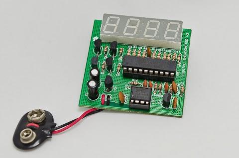 Termômetro digital com ATtiny26 e LM35