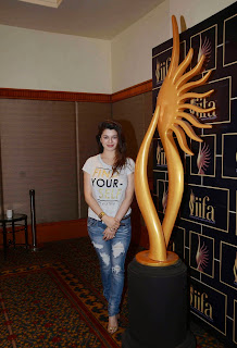 Kainaat Arora Pictures in Jeans at 16th IIFA Awards 2015 Press Meet ~ Celebs Next
