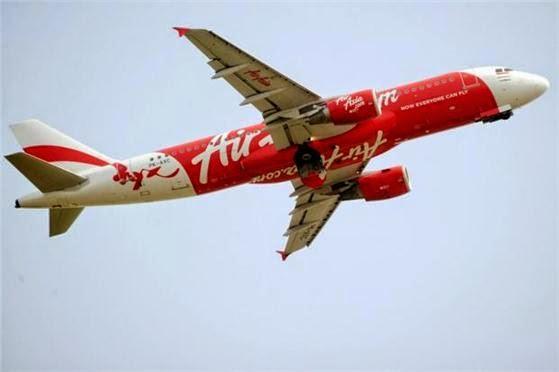 Pesawat AirAsia berlegar di udara 4 jam
