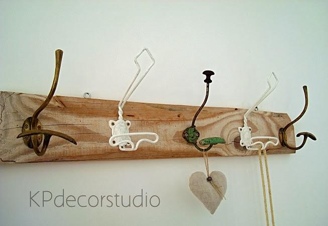 Kp tienda vintage online perchero de madera artesanal for Como hacer percheros de madera de pared