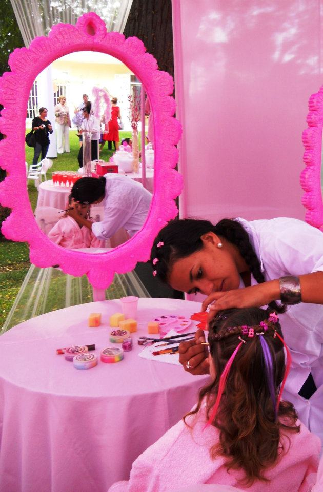 Salon de belleza para ni as for Decoracion infantil barata