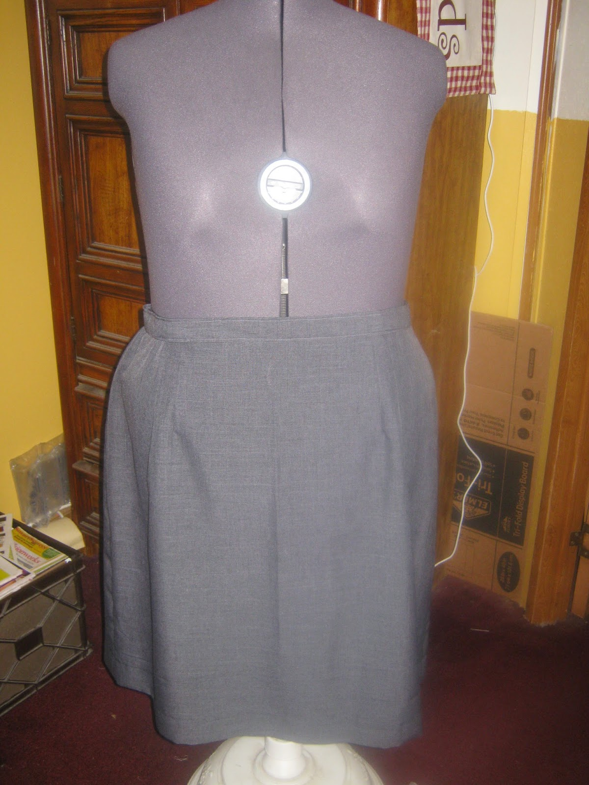 McCall's 3588 Straight Skirt grey suiting front view www.sewplus.blogspot.com