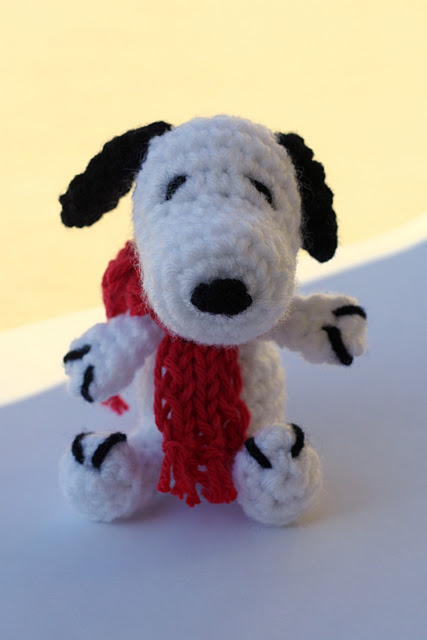 Amigurumi Woodstock Pattern : 2000 Free Amigurumi Patterns: Snoopy Amigurumi Crochet ...