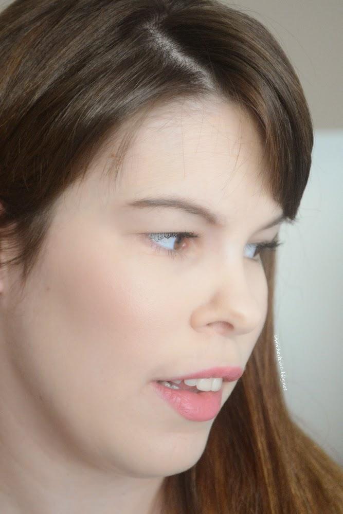 MAC Mineralize Skinfinish Perfect Topping Lightness Of Being LE (Tragebild)