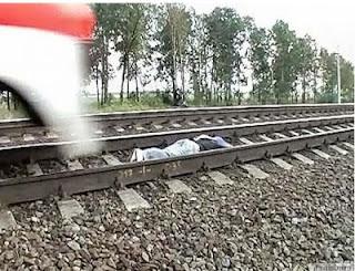 AKSI PALING GILA ! Gadis Ini Tidur Di Bantalan Rel Kereta Api Berjalan