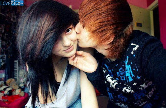 Emo Couple Kiss Romantic Teen Gorgeous Cute