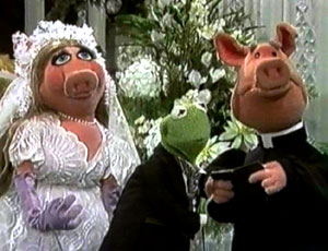 miss piggy kermit 80s eighties married wedding