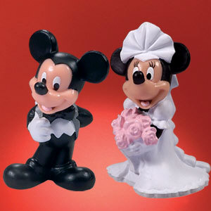 Delicious Minnie Mouse Cake Topper