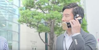 بالفيديو: Sharp تكشف عن روبوت و هاتف ذكي في نفس الوقت !