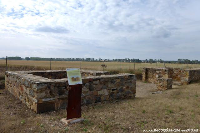 Restos Puerta Praetoria Campamento Petavonium