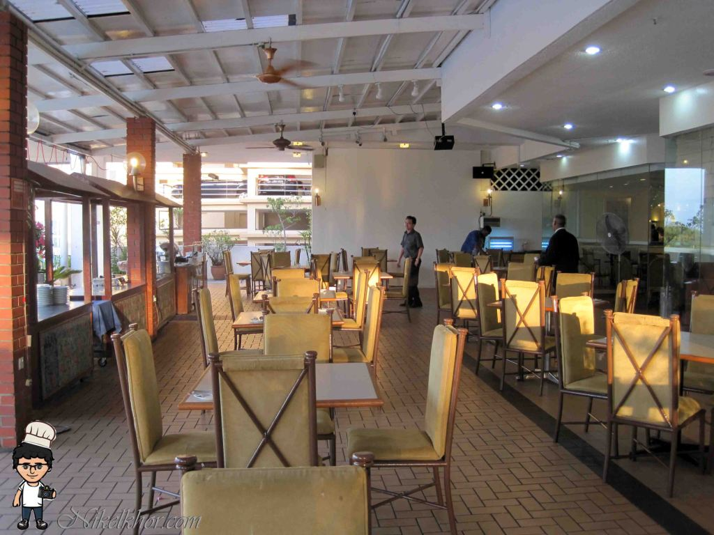 Nyonya buffet dinner terrace bay restaurant copthorne for Terrace 9 classic penang
