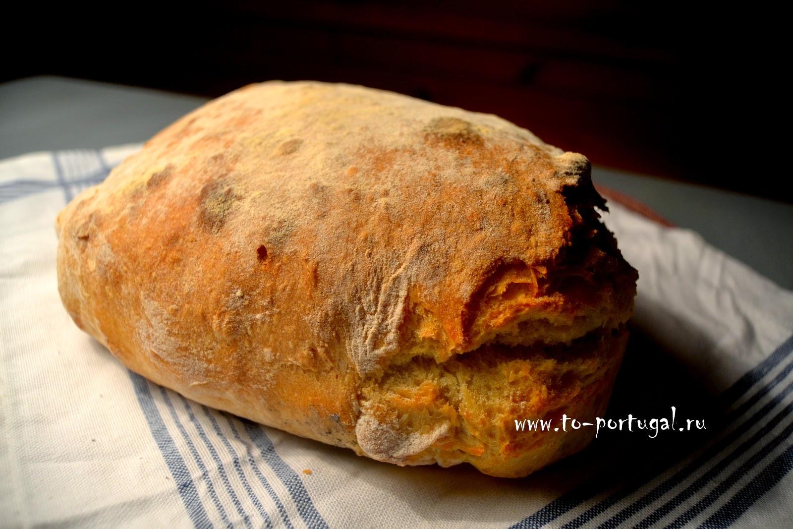 хлеб пекут в Португалии, домашний хлеб на дровах