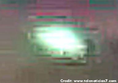 Pilot Captures UFO On Video in Costa Rica (Crpd Enlrgd)