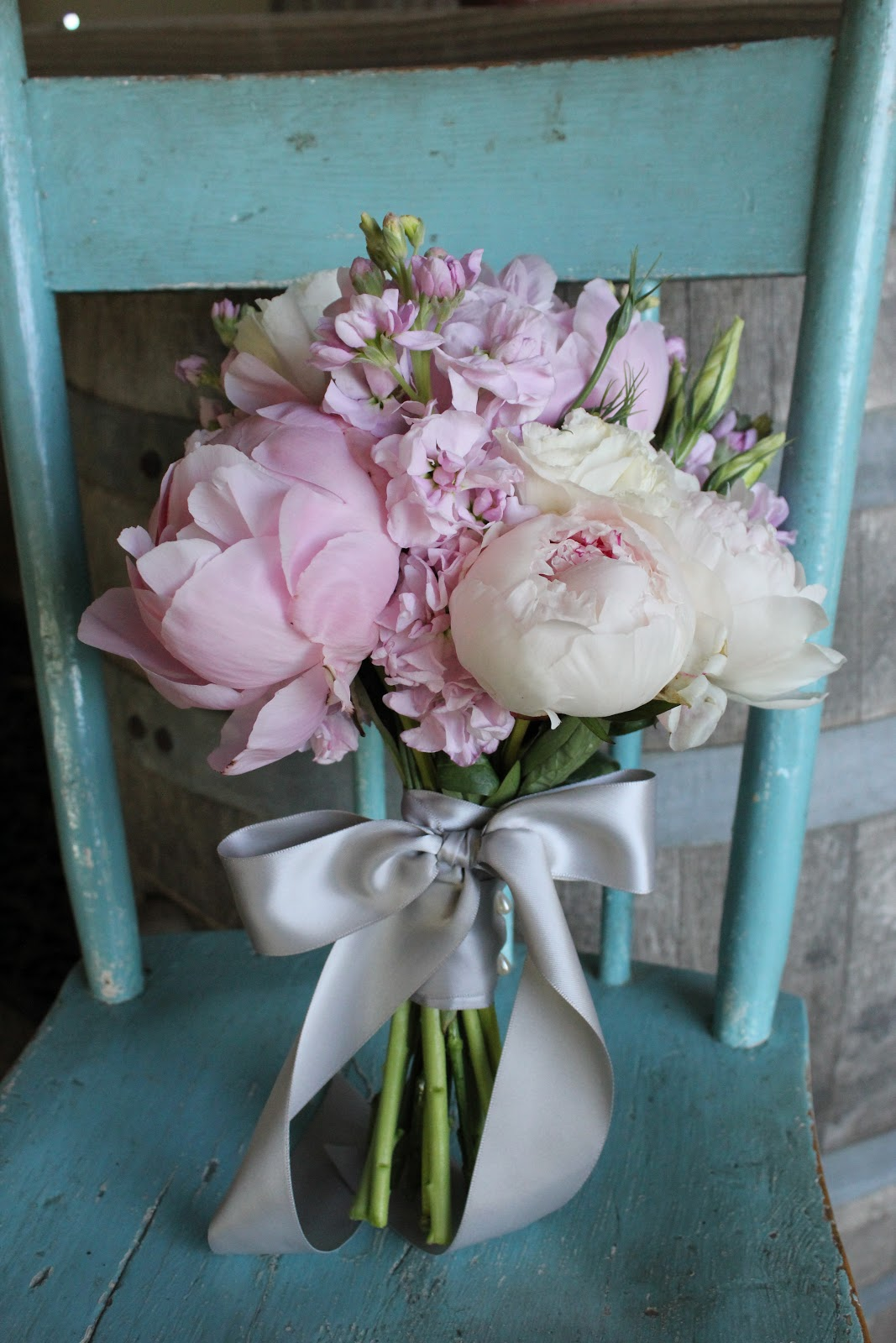 Brown Bunny Flowers Light Pink Bouquets With Grey Ribbon
