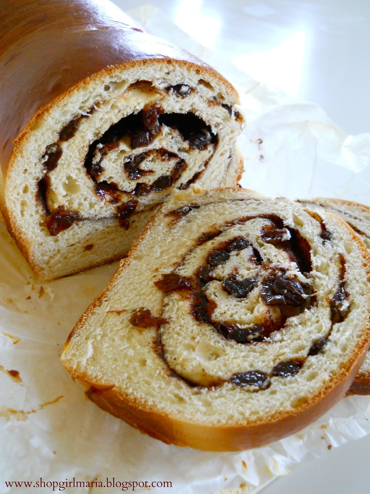Shopgirl: Cinnamon Raisin Swirl Bread