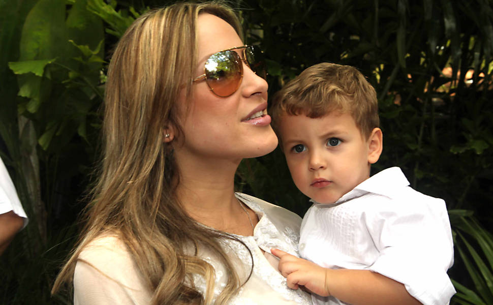 SGA Notícias: Brasileiro ajuda Claudia Leitte a achar seu ...