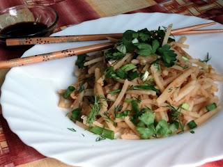 Камди-ча (салат из картофеля и лука)