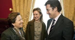 El presidente de la Xunta Núñez Feijoo, con Pilar Farjas y Marta Currás