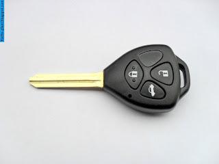 Toyota avanza car 2012 key - صور مفاتيح سيارة تويوتا افانزا 2012