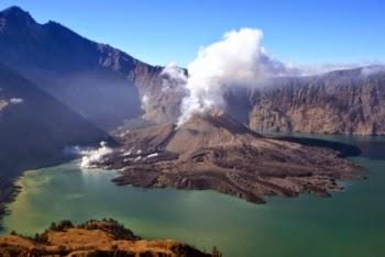 Referensi Jalur  Pendakian Gunung Rinjani Untuk Anda Coba