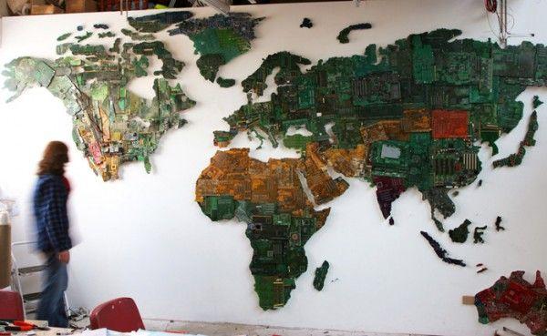 Wow, Motherboard Bekas Disulap Jadi Peta Dunia! [ www.BlogApaAja.com ]