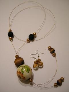 biżuteria z półfabrykatów i decoupage - złoty wisior (komplet)