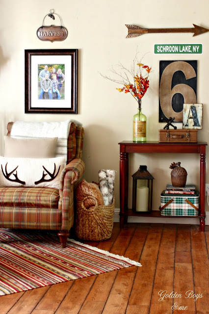 Fall decor in family room-www.goldenboysandme.com