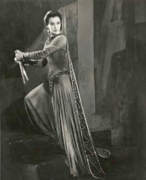 [Image: Macbeth+-+Lady+Macbeth+-+Vivian+Leigh+-+Daggers.jpg]