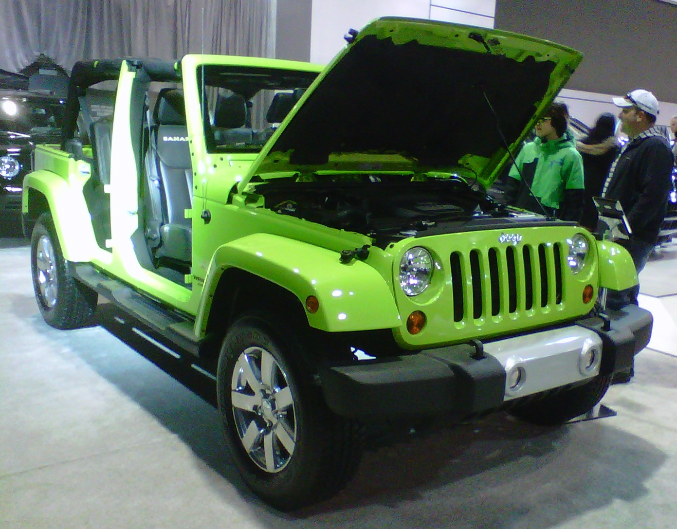 2014 Jeep Wrangler Unlimited looks brilliant in green