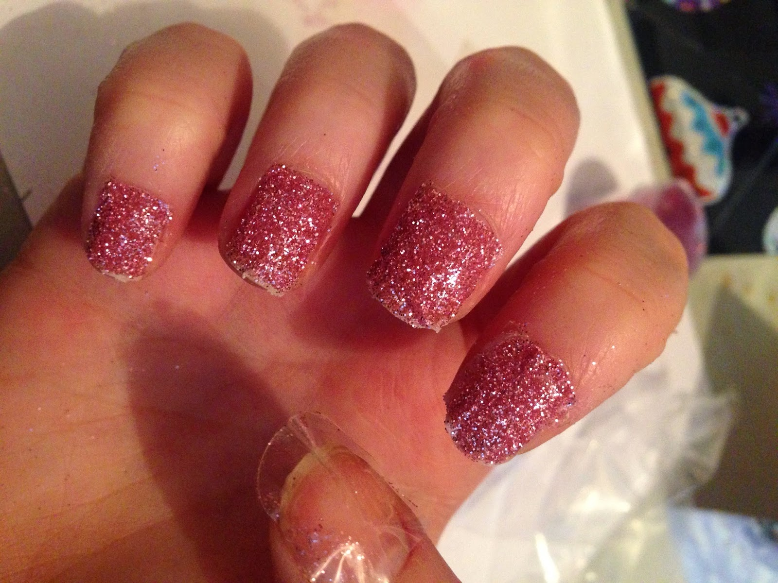 Glitter and Carousels: Hassle Free Glitter Nails?! An Elegant Touch ...