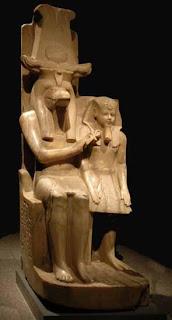تمثال مزدوج لأمنحتب الثالث مع المعبود سوبك