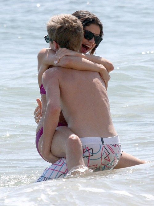 justin bieber selena gomez maui makeout. Shirtless Justin Bieber was seen enjoying the waves, frolicking on beach and