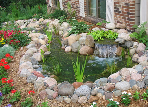 Small pond and waterfall backyard ideas for Small pond design ideas