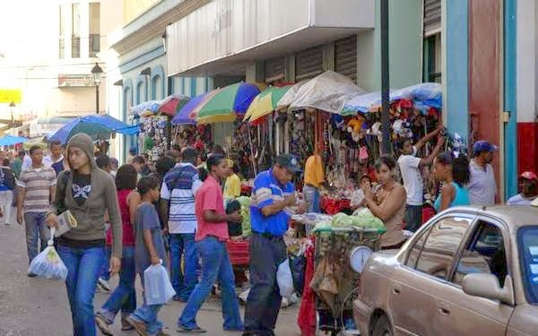 En Santiago la gente también dice que con 10 mil no se vive