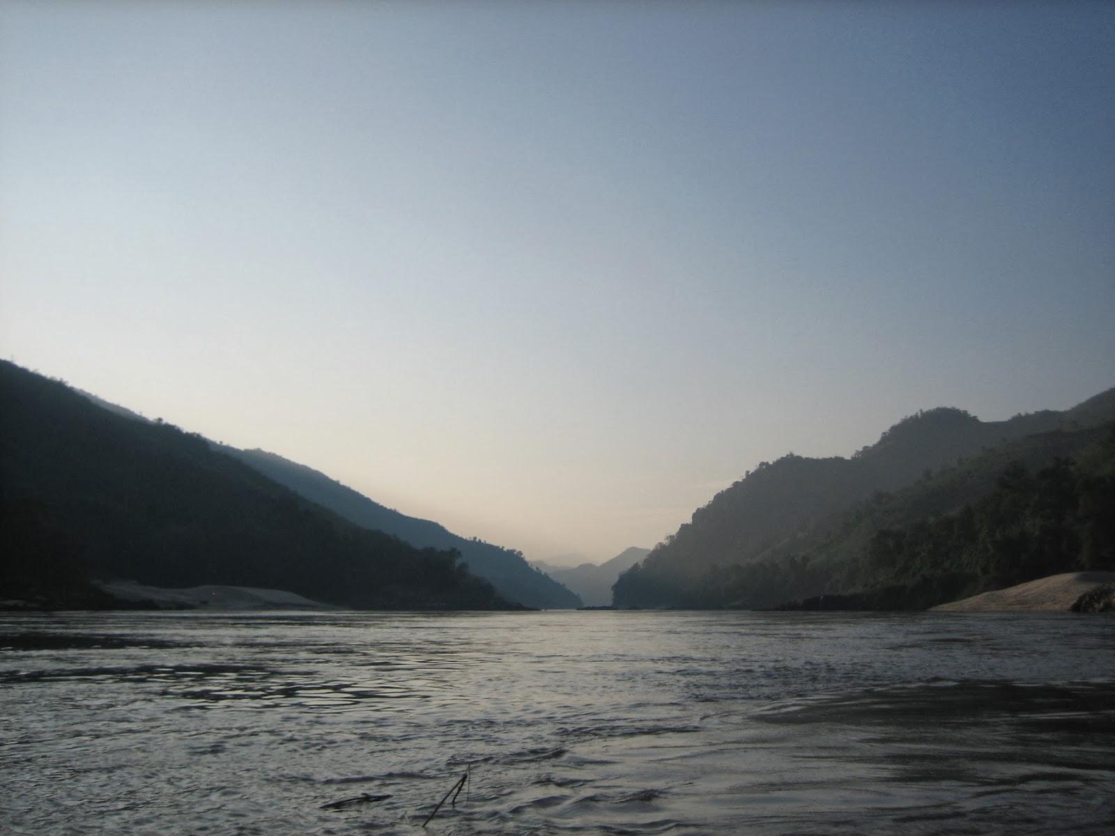 slow-boat-chiang-khong-to-luang-prabang-thailand-laos