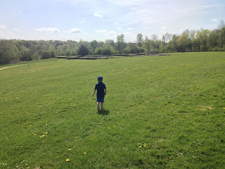 Big Boy walking towards the Roman Ruins