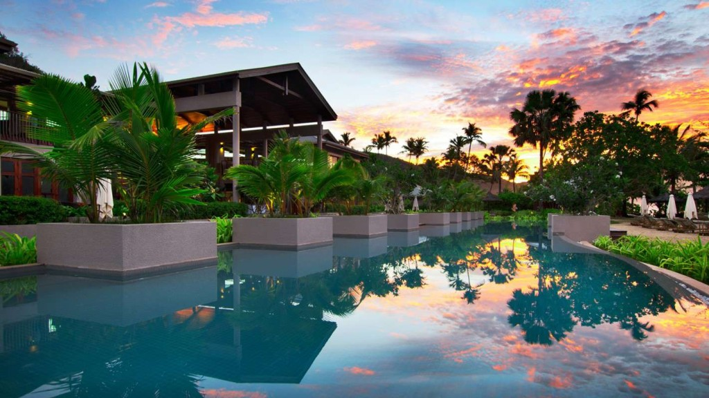 Luxury life design luxury at kempinski seychelles resort for Luxury hotels all over the world