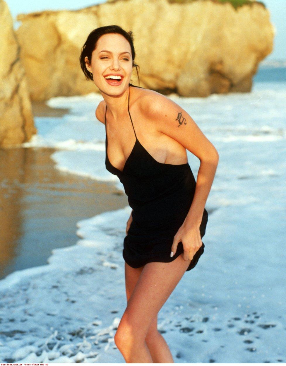 Angelina Jolie Hot Bikini Pictures, Free Porn a3: xHamster de
