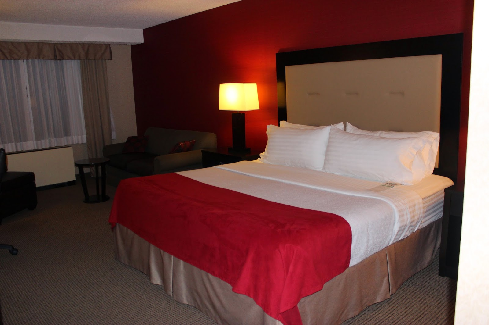 Holiday Inn Select Montreal