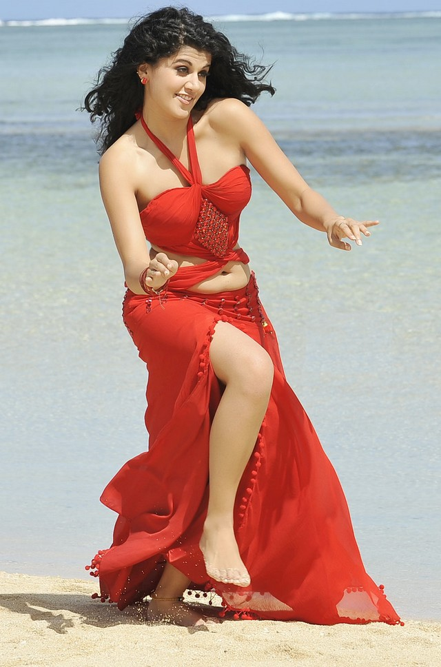 Tapsee Hot