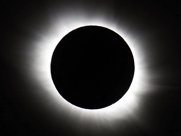 Eclipse solar é visto no Hemisfério Norte