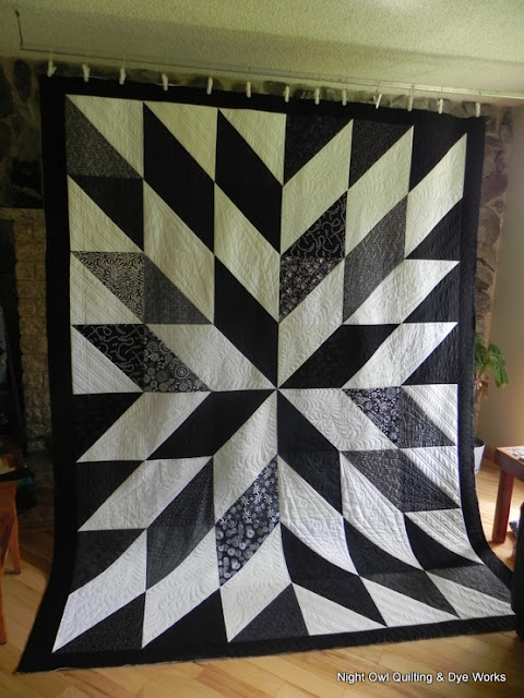 Night Owl Quilting Amp Dye Works Black And White Hst Quilt