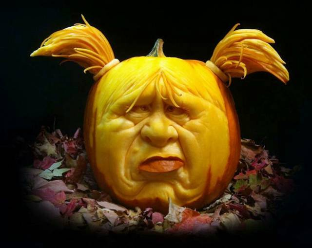 Amazing Art Carving Pumpkins at Halloween