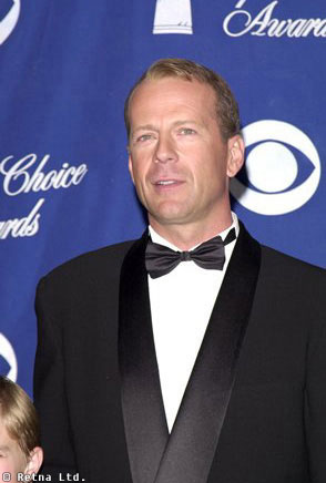 chris tomlin divorce MEMES Bruce Willis Feud