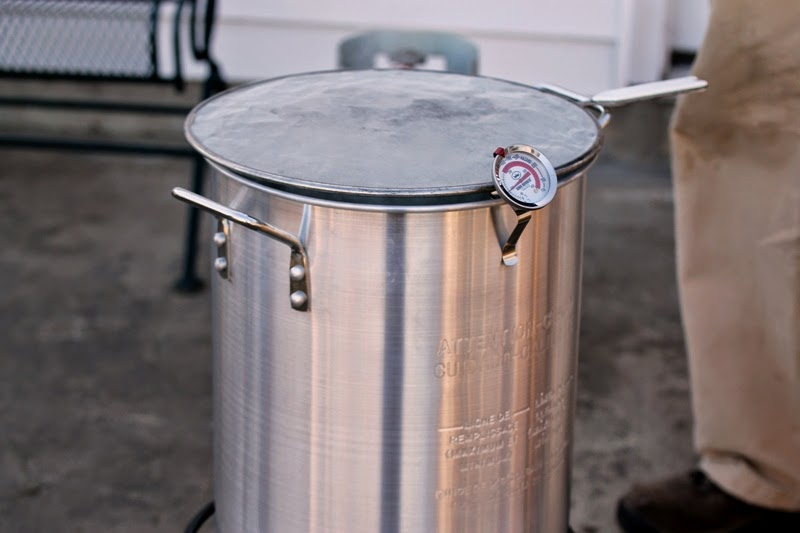 Boiling sap in a turkey fryer