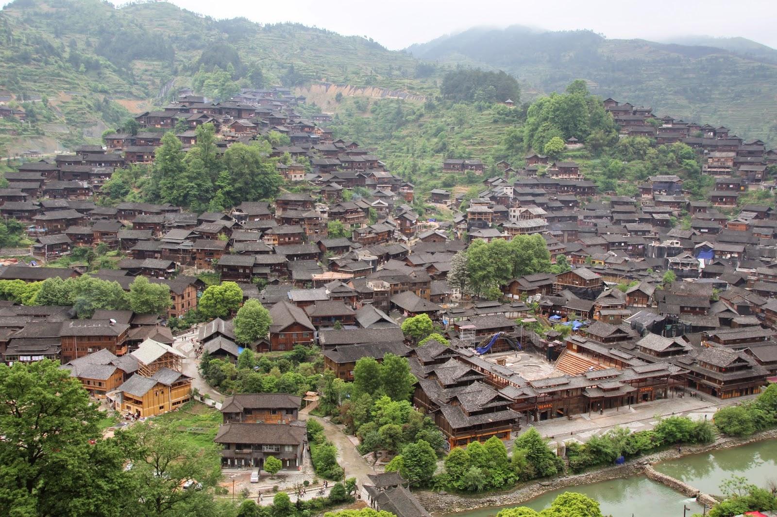 Blick über das Dorf der Miao