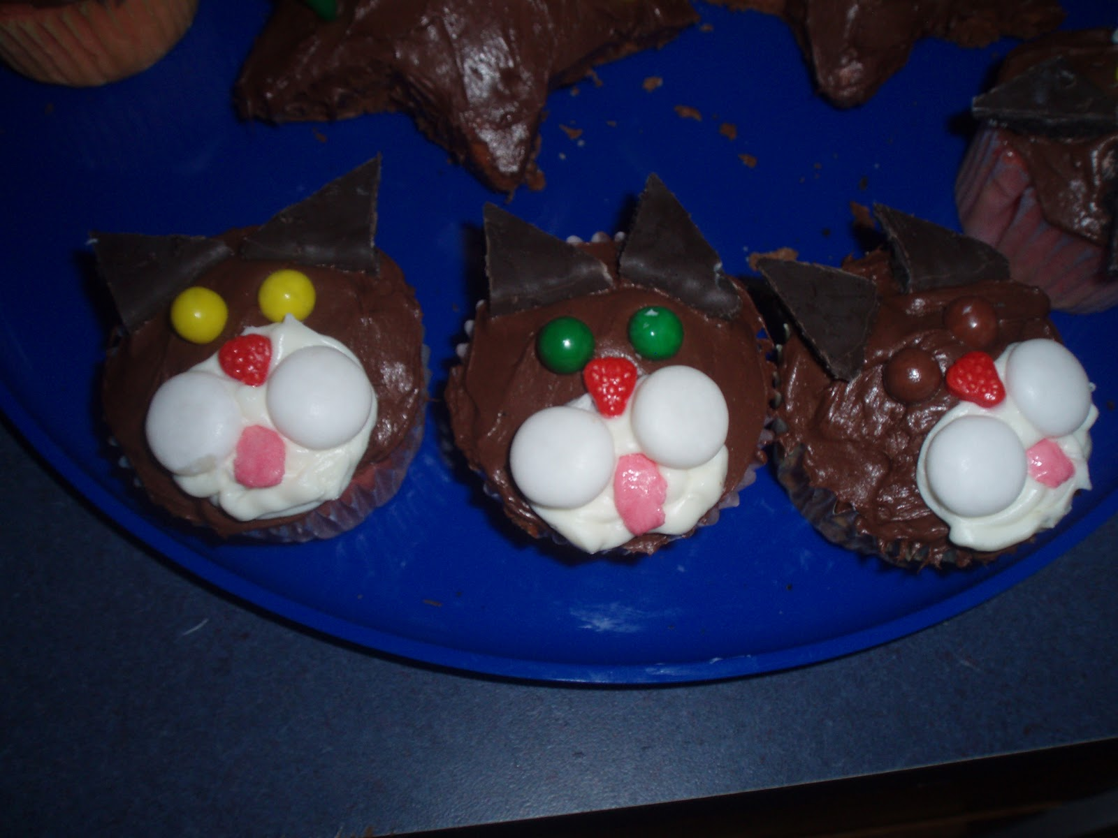 Kitten cupcakes for a cat themed party
