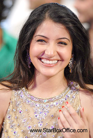 Hot+images+of+anushka+sharma