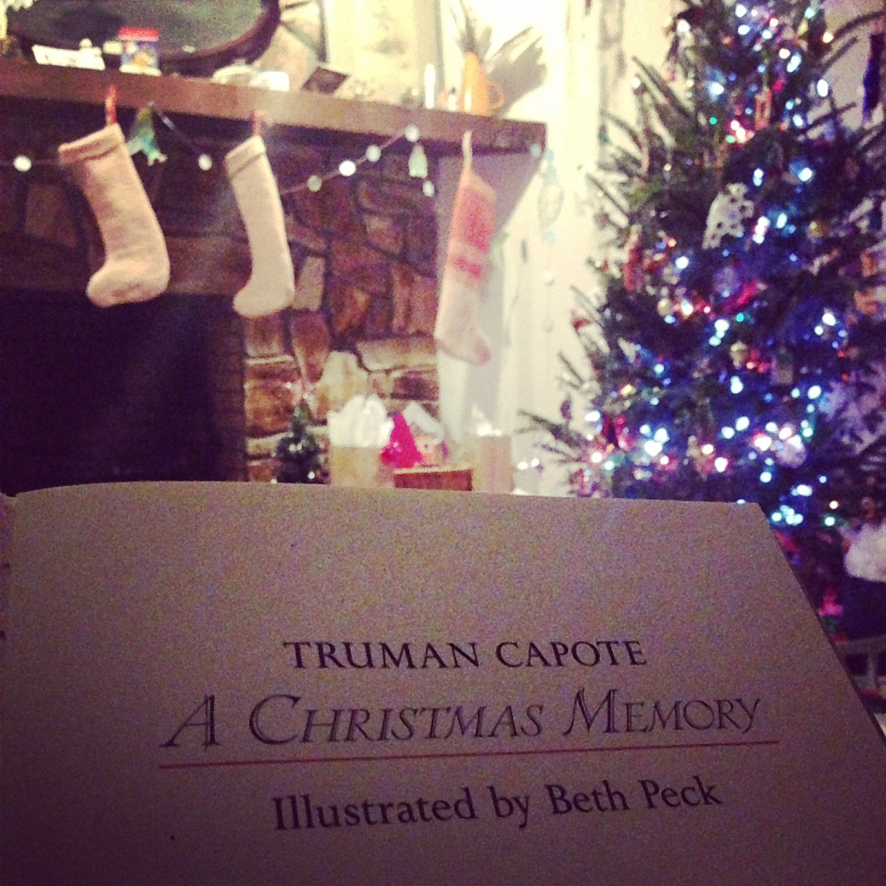 "a christmas memory truman capote This one-page guide includes a plot summary and brief analysis of a christmas memory by truman capote ""a christmas memory"" is a and thinks that christmas."