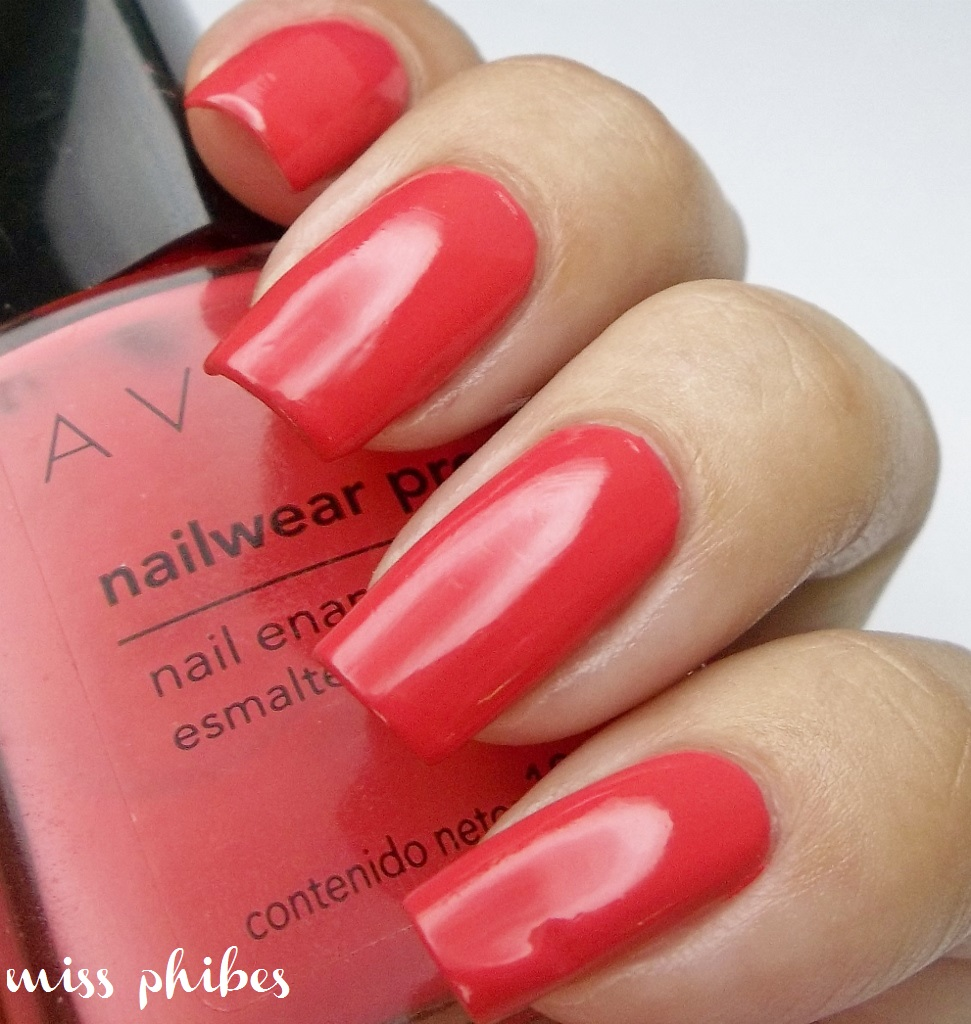 miss phibes.: Avon Nailwear Pro Coral Reef